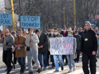 FOTO/VIDEO: Tuzlaci protestovali zbog zagađenja: Želimo čišći zrak, a ne rak