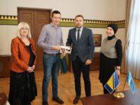 Gradonačelnik nagradio Hajrudina Zulfića za građansku hrabrost