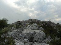Gomile (tumuli) i gradine Podveležja: Svjedoci života iz prethistorijskog doba