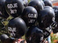 """Crveni krst BiH obilježio Dan nestalih: Podijeljeno 3.500 balona s pitanjem """"Gdje je?"""""""