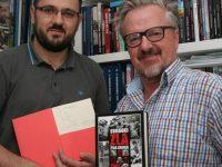 """Promocija u Mostaru: Knjiga """"Svjedoci zla"""" Akifa Agića i Faruka Vele"""
