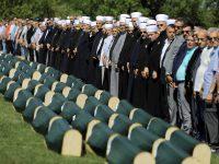 Klanjana kolektivna dženaza za 86 žrtava iz Prijedora i Kotor Varoši