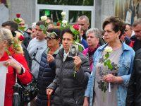 Danas se u Prijedoru obilježava Dan bijelih traka: 102 ruže u znak sjećanja na ubijenu djecu