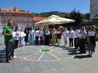 Medžlis IZ Livno: genocid u Srebrenici obilježen na gradskom trgu u Livnu