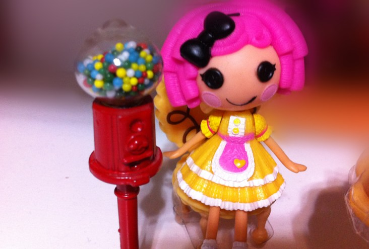 Sugar loves her new Gum Ball stand