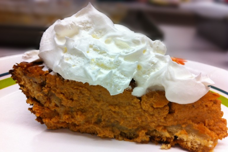 Pumpkin Cinnamon Roll Pie