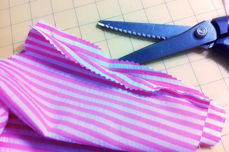 Akram's Ideas: Pinking seams