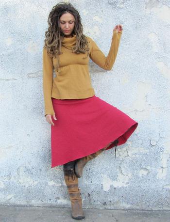 Wanderer Below Knee Fleece Skirt