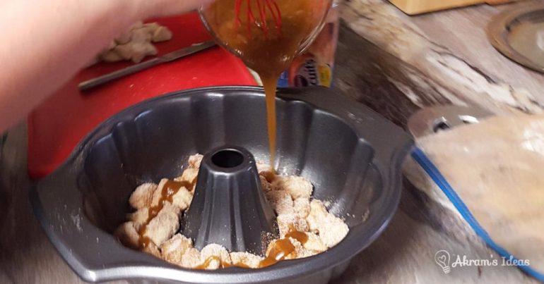 Akram's Ideas: Apple Monkey Bread brown sugar butter mix