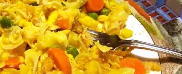 Quick recipe for making tuna noodle casserole with a creamy ranch greek yogurt sauce.
