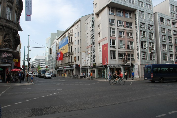 Ved Checkpoint Charlie