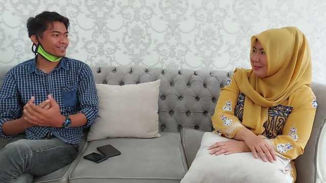 Wawancara eksklusif wartawan Akses Jambi, Dwi Pebrianza Danial bersama Yunninta. Foto: AksesJambi.com