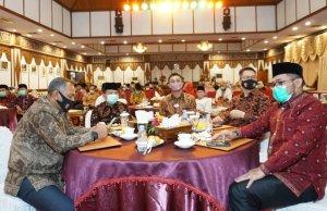 Pertemuan Silaturrahmi bersama Forkopimda dan Tokoh Masyarakat Jambi, di Auditorium Rumah Dinas Gubernur Jambi.