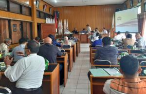 Rapat penetapan pengurus KONI Provinsi Jambi di Sekretariat KONI Stadion Tri Lomba Juang Jambi.