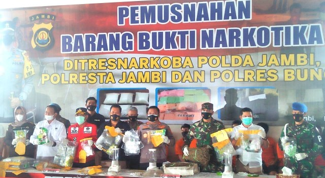 Pemusnahan barang bakti narkotika. Foto: dok. AksesJambi.com