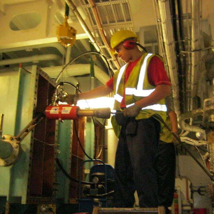Freshwater Generator Heat Exchanger Repair on Cruise Ship (Serck Como)