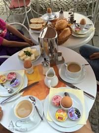 Frühstück im Café Wien