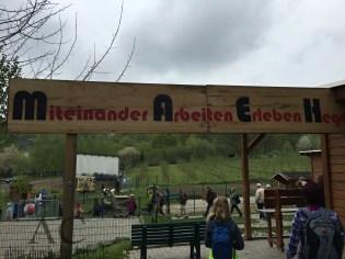 Die Förder- und Wohnstätte Kettig unterhält einen süßen kleinen Tierpark. Ziegen, Hühner und Kaninchen konnten wir hier treffen.