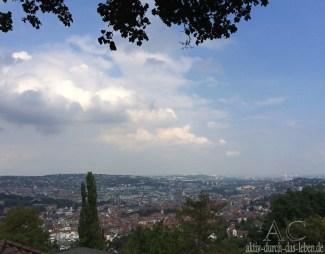 Blick auf Landeshauptstadt Stuttgart in Baden-Württemberg