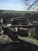 Blick zum ehemaligen Gewölbekeller der Burg. Dort findet das Ritterliche Klassenzimmer statt.