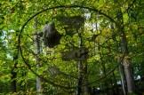 Gefilzte Kunst im Wald