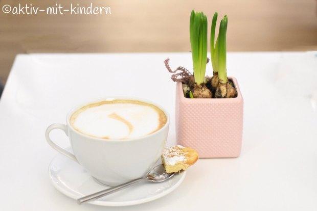 Milchcafé im Familiencafé