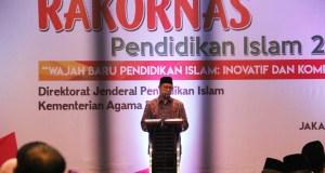 "Menteri Agama RI, Lukman Hakim Saifuddin dalam agenda pembukaan Rapat Koordinasi Nasional Pendidikan Islam bertema ""Wajah Baru Pendidikan Islam: Inovatif dan Kompetitif"" yang digelar di Ancol, Jakarta Utara, Rabu (14/3). AKTUAL/WARNOTO"