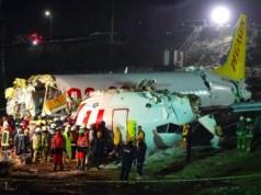 Pesawat Pegasus Airlines pecah jadi tiga akibat mendarat darurat di Turki. Foto: AFP