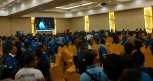 Kericuhan kembali terjadi di Kongres V PAN pada hari kedua, di Hotel Claro, Kendari, Sulawesi Tenggara, Selasa (11/2/2020).