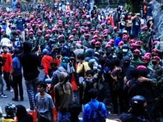 TNI dan demonstran