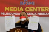 Kepala Badan Pelindungan Pekerja Migran Indonesia (BP2MI) Benny Rhamdani memberikan keterangan usai mengadakan pertemuan secara virtual dengan pihak Taiwan di kantor BP2MI, Jakarta, Kamis (8/4/2021).