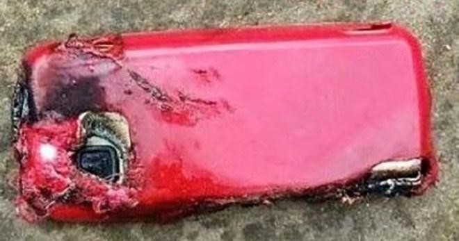 telefon explodat