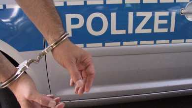 Photo of Polizei greift bei Streit ein – Haftbefehl vollstreckt