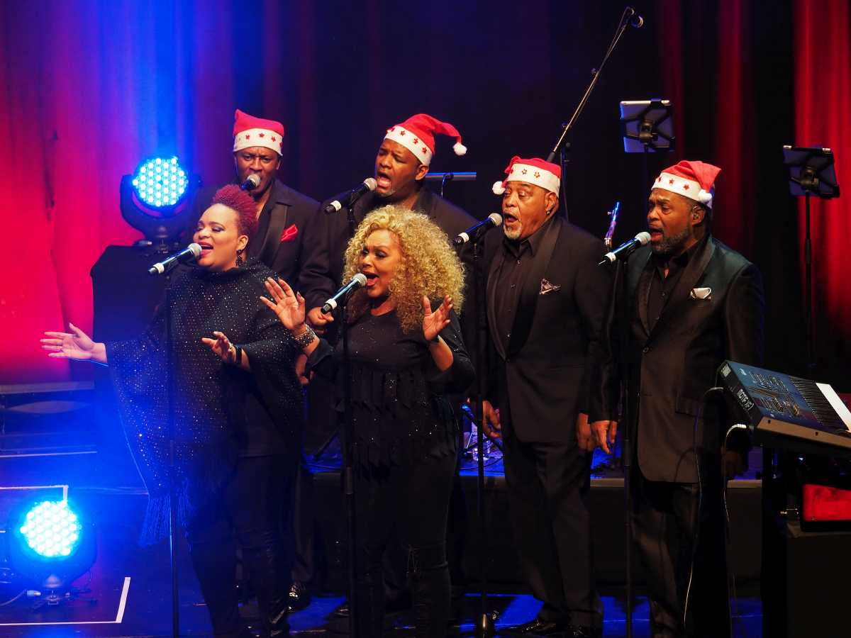 Weihnachten voller Soul: Sweet Soul X-mas Revue – Aktuelles aus ...