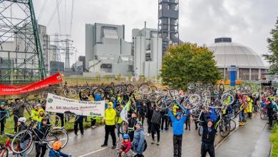 Photo of Klimaaktivisten demonstrieren erneut gegen Kohlekraftwerk Moorburg