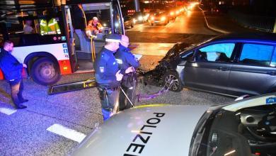 Photo of Verletzter nach Unfall mit Linienbus