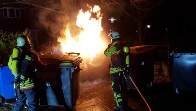 Photo of Erneut brannte Altpapiercontainer auf dem Maschener Dorfplatz – Feuerwehr Maschen löschte