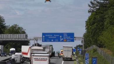 Photo of Schwerer Auffahrunfall auf der Autobahn bei Rade
