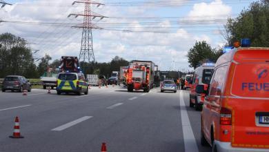 Photo of Soldaten leisten erste Hilfe bei erkranktem LKW-Fahrer