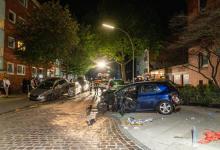Bild von Raser hinterlässt Trümmerfeld in Tempo 30 Zone