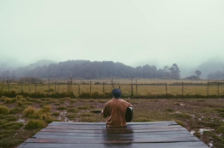 ide puisi tentang hujan