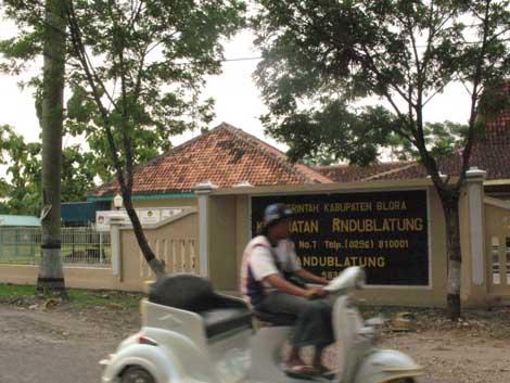 kantor kecamatan Randublatung
