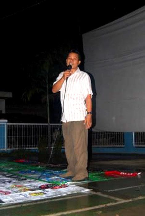 Bang Mufti, perwakilan warga Mandor Baret, menyampaikan sambutannya