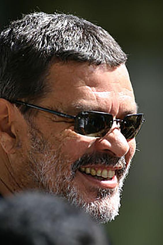 Sócrates Brasileiro Sampaio S. V. Oliveira (Gambar diakses dari http://en.wikipedia.org/wiki/S%C3%B3crates).