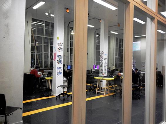 Studio dan ruang produksi untuk mahasiswa Willem de Kooning Academy.