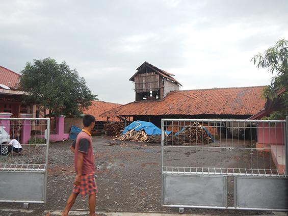 Pabrik Genteng H. Nani yang terletak di Dusun Wates.