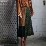 まるでパッチワーク風なプリーツスカート。カラーによって、チェック柄、配色が違う