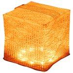 太陽光で8時間充電すれば最大15時間使用でき、約500回繰り返し使えるライト。