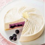 栃木県産新鮮ヨーグルトで仕立てたレアチーズケーキ。 チーズケーキ