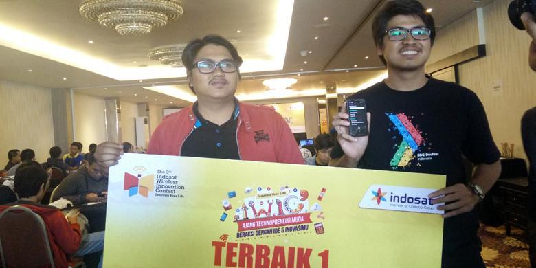 Hardian dan Reza, dua mahasiswa UGM yang membuat aplikasi Temu Jasa pemenang Hackathon Indosat.